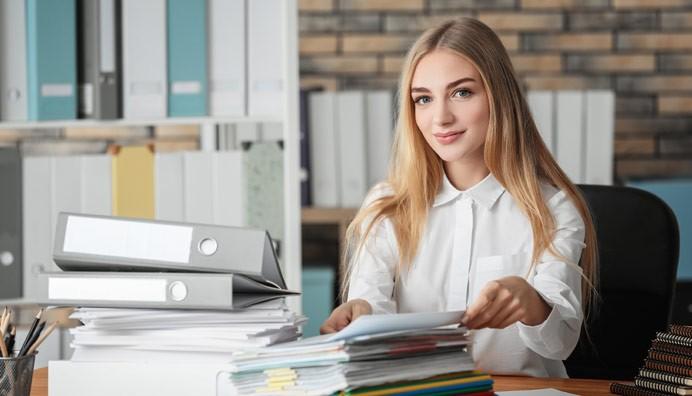 Kolumnisti Riikka Lehtinen kirjoittaa palkkahallinnon aineistojen säilytysajoista